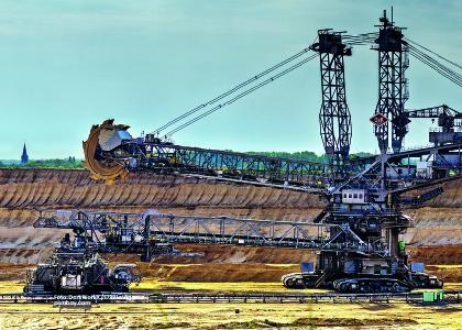 Foto de maquinaria para la excavación minera, Plan Nacional de Ordenamiento minero. -Cider | Uniandes